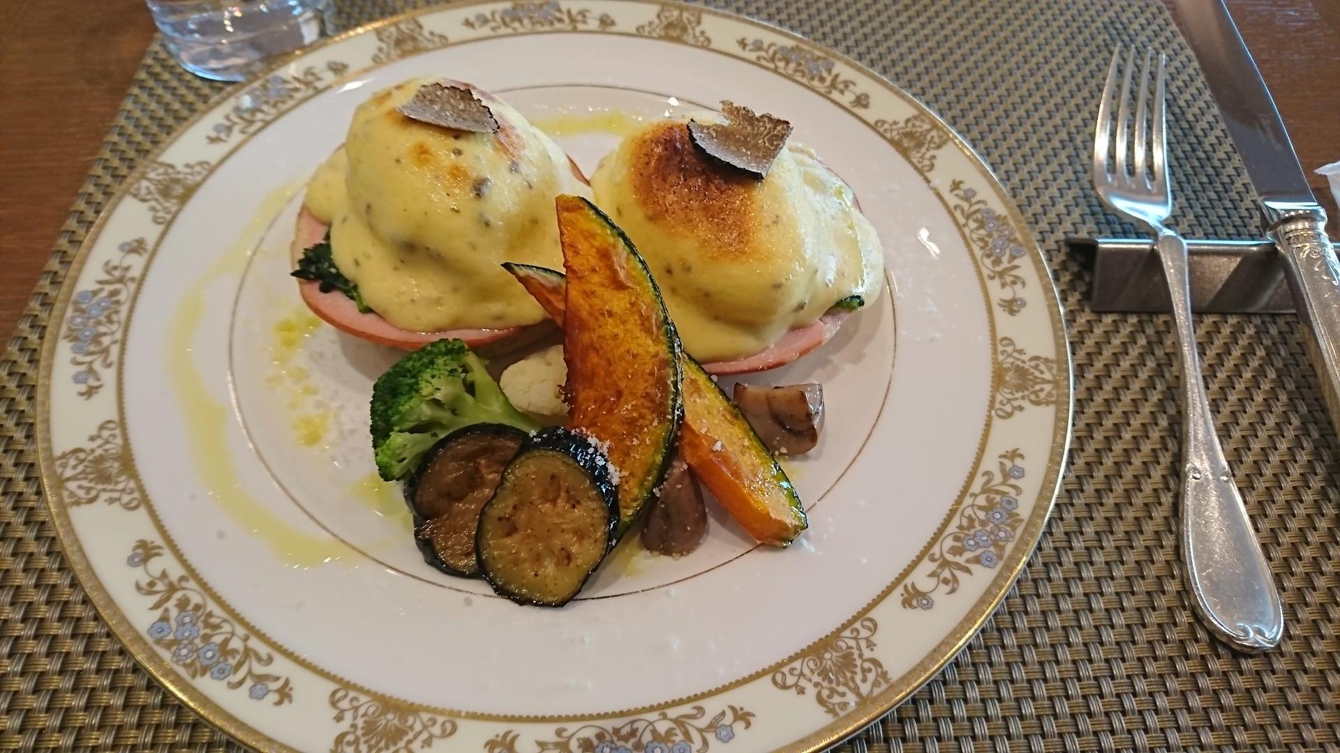 ヨコハマグランドインターコンチネンタルホテル、朝食、エッグベネディクト