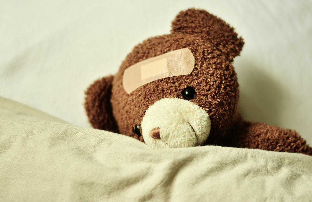 ベッド、くま